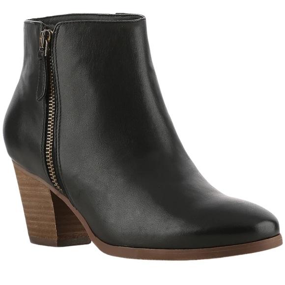 Crown Vintage Sandy Booties Black Leather 7.5